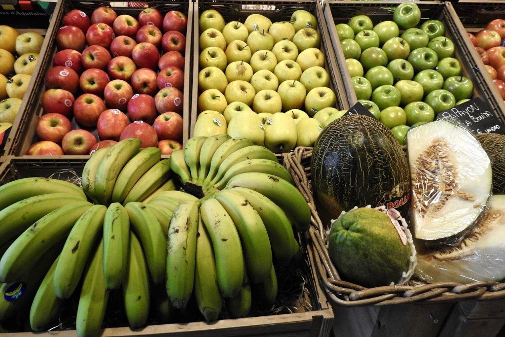Frutas locales y tropicales